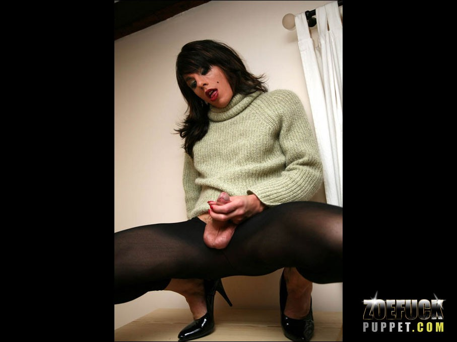 Zoe_Fuck_Puppet_Cock_Pictures_012